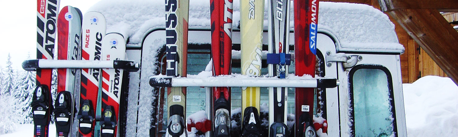 Skis on the Landrover